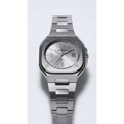 Votre avis pour mon graal... tome 4 - Page 20 Xmontre-bell-ross-br-05-grey-steel.jpg.pagespeed.ic.Rq9128z7xO